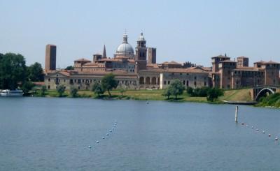 Mantova_from_Mincio