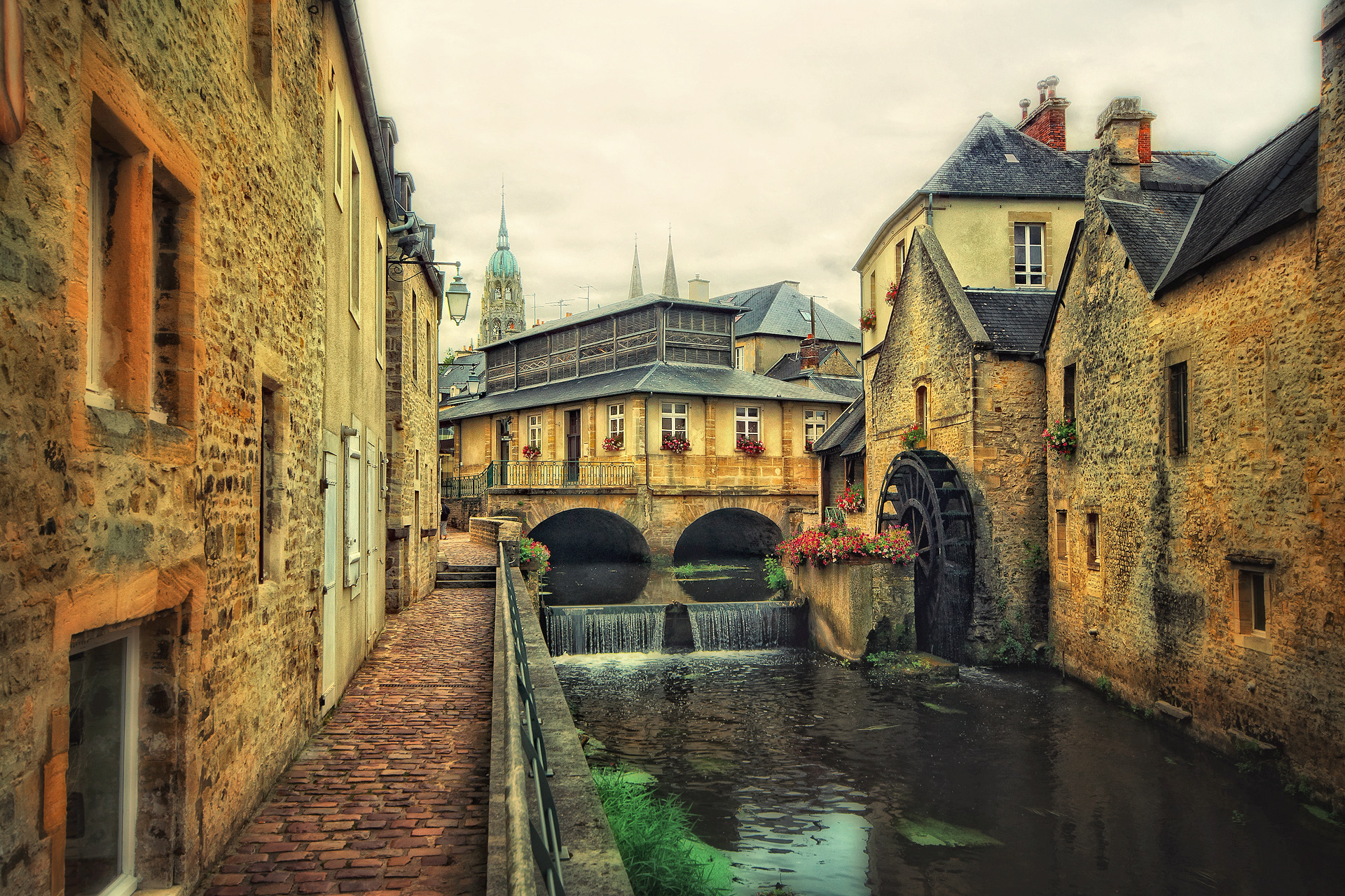 Bayeux historic centre - Anton Bielousov