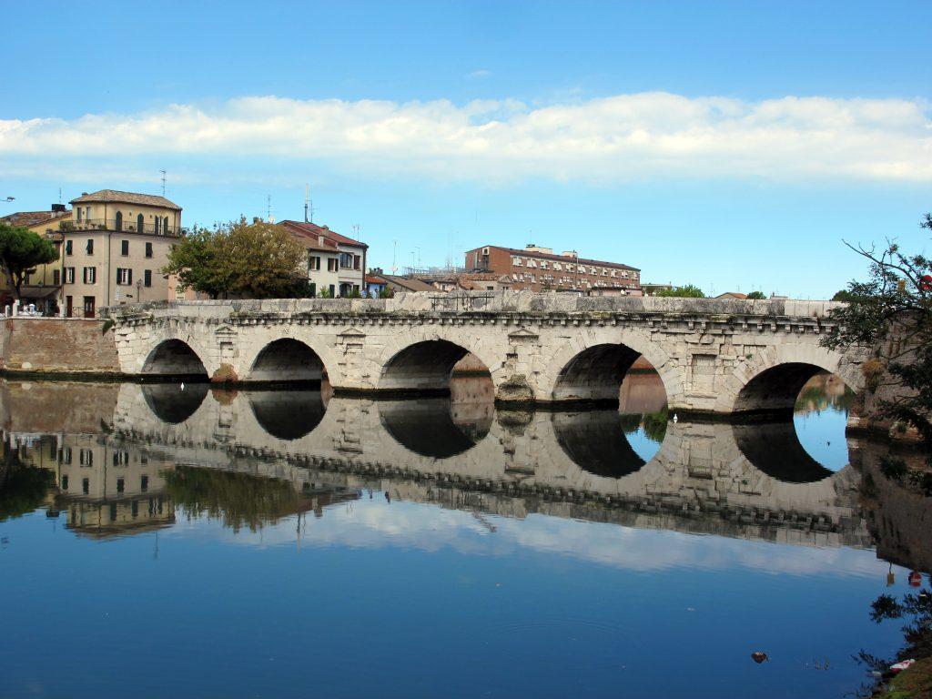 Cicloturismo in Romagna lungo la Pista Ciclabile della Val Marecchia