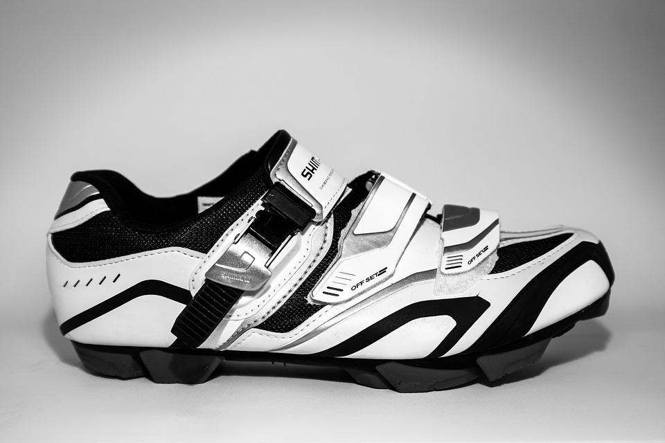 Come scegliere la scarpa giusta per l'attività in bici