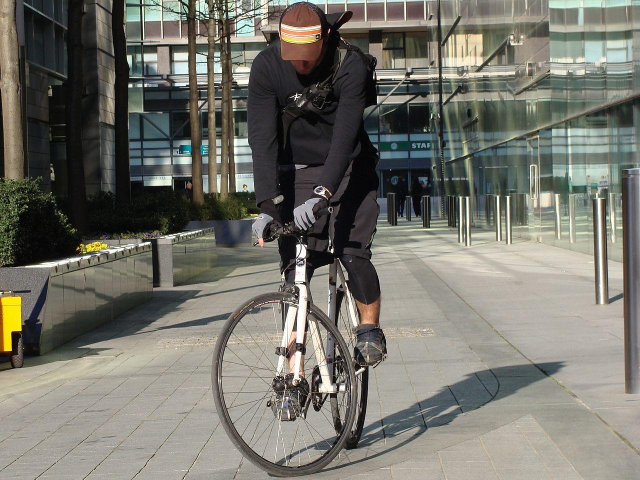 La tecnica del surplace per il ciclista urbano