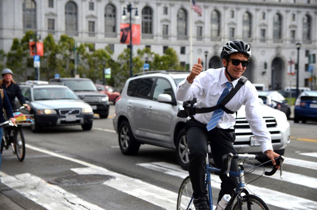 Come pedalare nel traffico delle ore di punta
