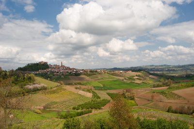 Castello di govone (Roero, Piemonte - Virginiascarsi (Wikipedia), CC BY-SA 3.0