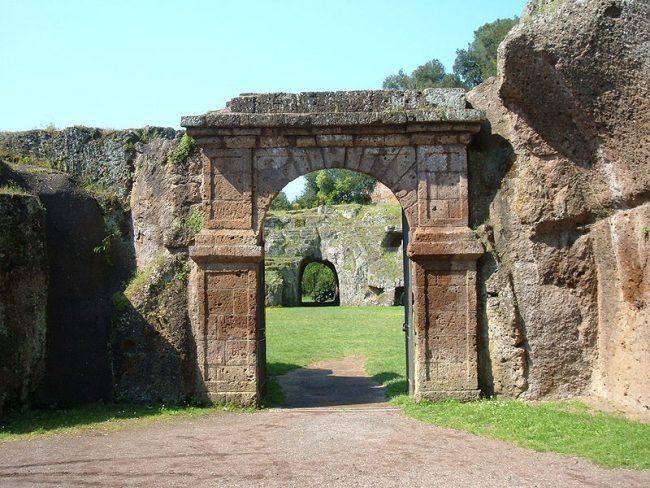 Escursione al Parco dell'Antichissima Città di Sutri
