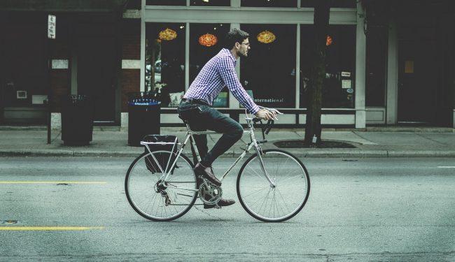 Come trasportare i propri oggetti in bici