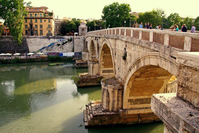 Pista Ciclabile della Magliana: periferia di Roma sud