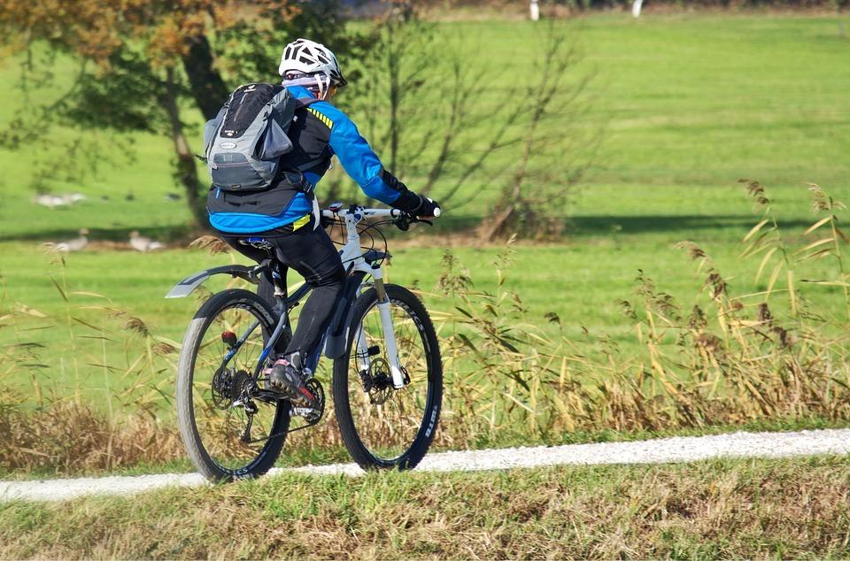 In bicicletta sull'Alpe Noveis