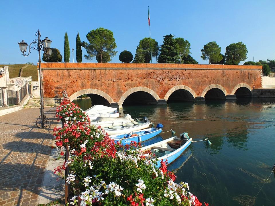 In bicicletta sul Lago di Garda