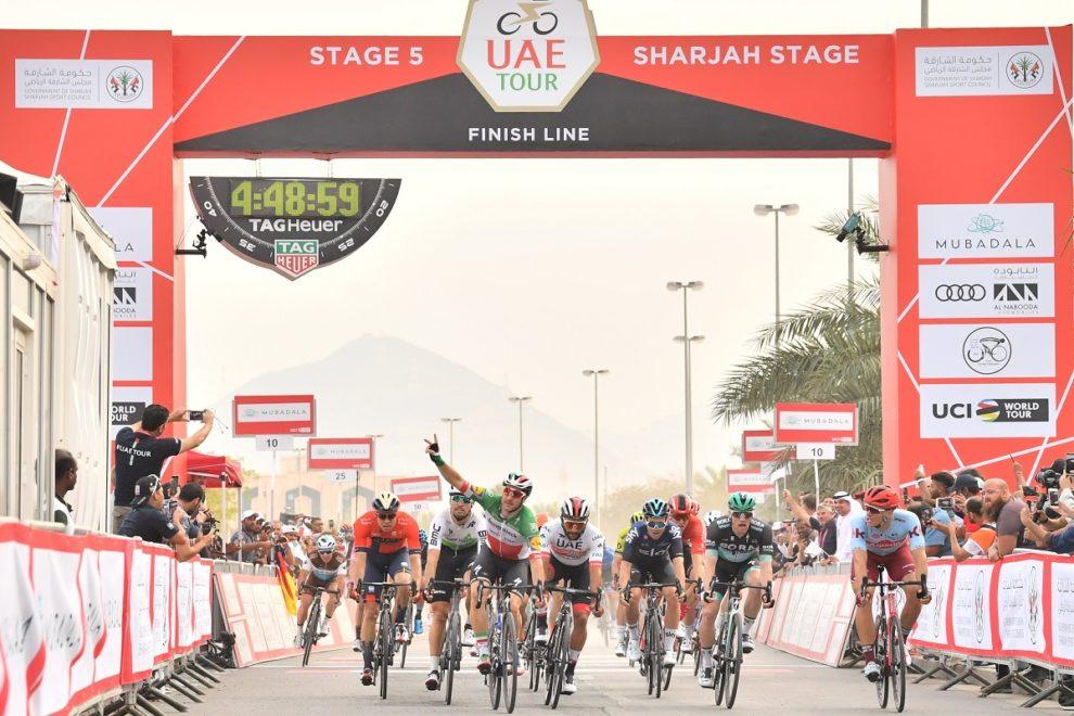 Super Vittoria di Elia Viviani nella quinta tappa del Tour UAE.