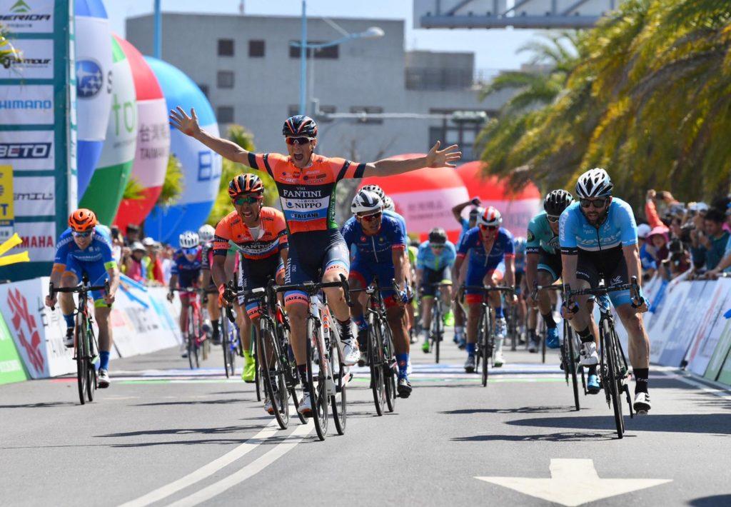 Successo di Giovanni Lonardi  nell'ultima tappa del Giro di Taiwan .