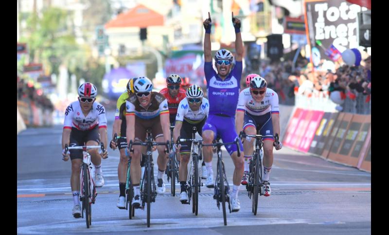 Super vittoria di Julian Alaphilippe alla Milano-Sanremo.