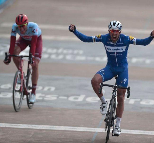Super vittoria di Philippe Gilbert alla Parigi Roubaix.