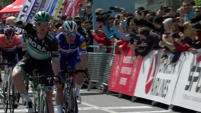 Successo di Sam Bennett nella prima tappa del Giro di turchia.