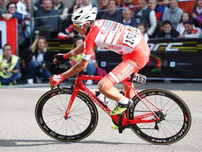 Super vittoria di Fausto Masnada.