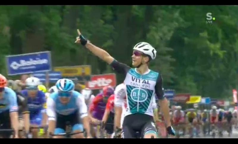 Successo di Bryan Coquard nell'ultima tappa del Giro del Belgio.