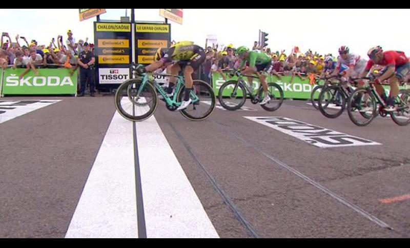 Sprint vincente di Dylan Groenewegen.