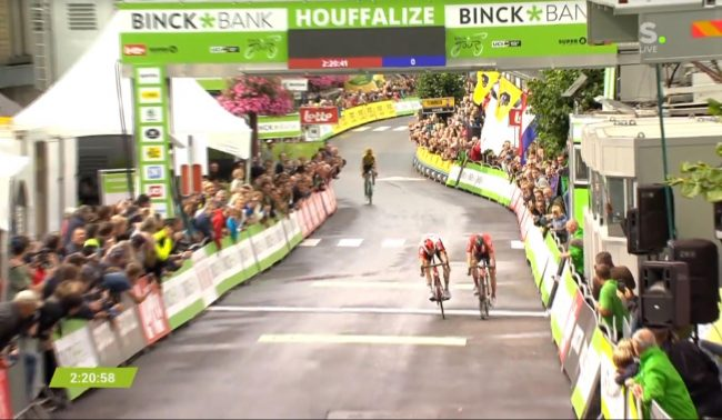 Sprint vincente di Tim Wellens al Binck Bank Tour.