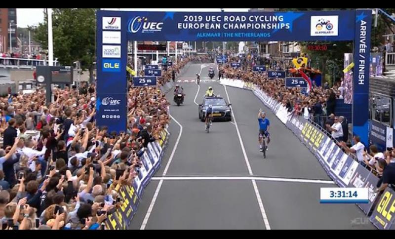 Elia Viviani è il nuovo campione europeo.