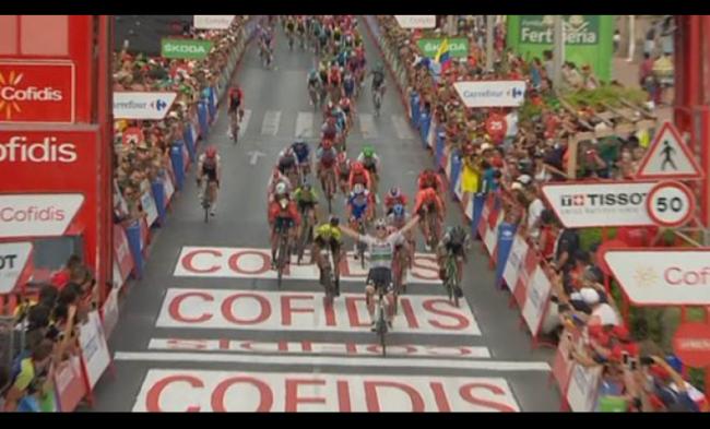 Super vittoria di Sam Bennett alla Vuelta espana.