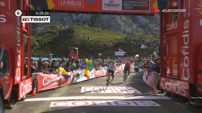 Trionfo di Tadej Pogacar alla Vuelta espana.