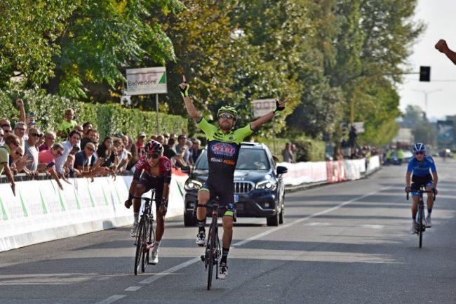 Sprint vincente di Giovanni Visconti al Giro di Toscana.